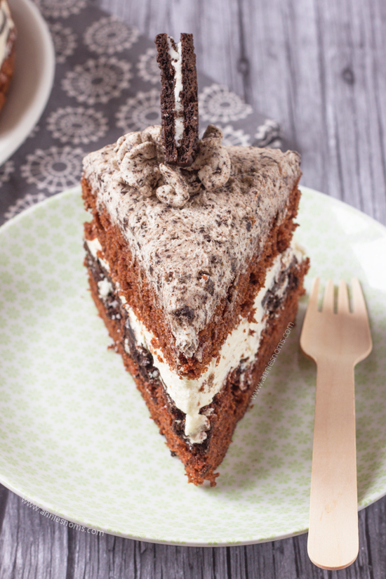 Naked-Oreo-Lovers-Cake-13