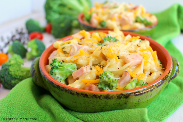This one-skillet meal has everything you need for a fantastic dinner, including smokey, delicious ham, fresh broccoli, and pasta all in an amazing two cheese sauce! Best of all, this easy pasta dinner is done and on the table in under 30 minutes!