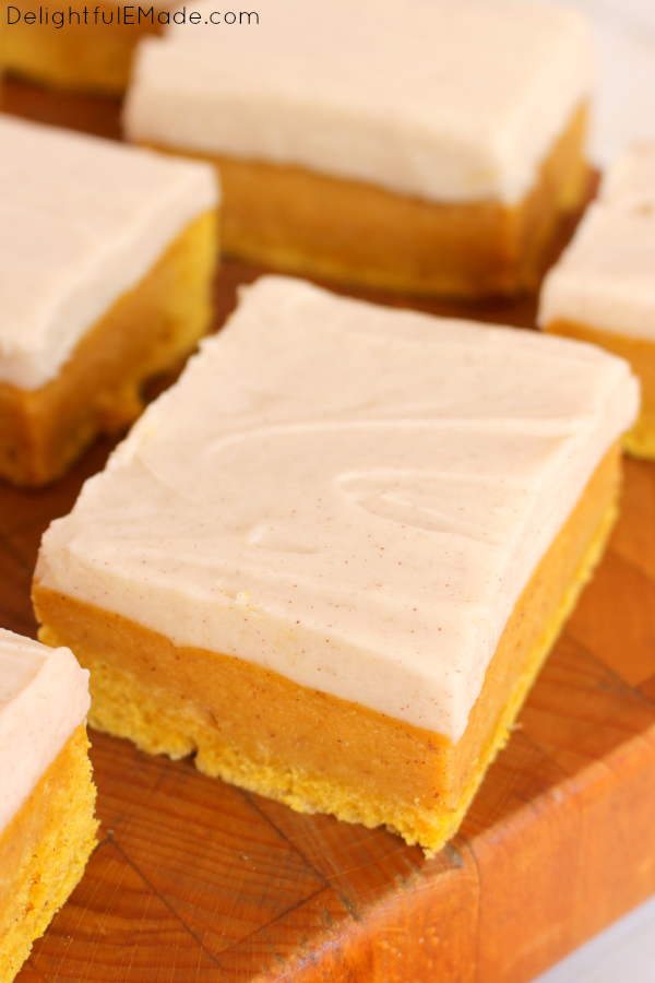 Sugar Cookie Bars with a delicious fall twist! Cinnamon cream cheese ...