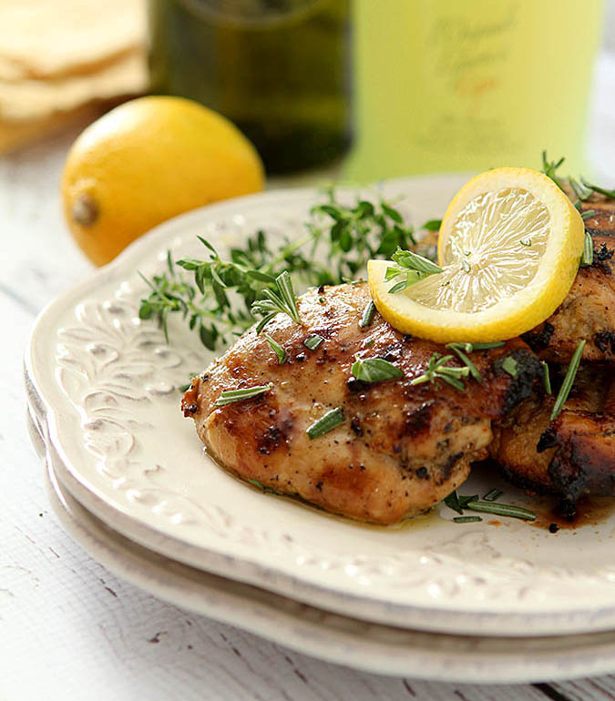 When it comes to easy dinner solutions, chicken always seems to be at the top of the list! In honor of National Chicken Month, I've got some amazing chicken recipes, perfect for busy nights and tight budgets! Easy Chicken Meals for National Chicken Month
