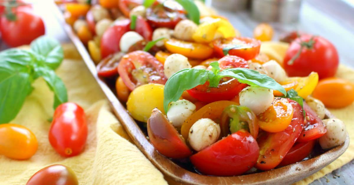 Italian caprese tomato salad delightful e made for Made com italia