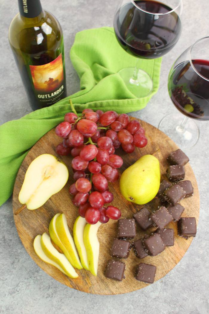 Absolutely love ALDI wines? Don't we all! Here's three amazing wine and snack pairings that are perfect for your next girls night in, movie night with your spouse, or happy hour at home!