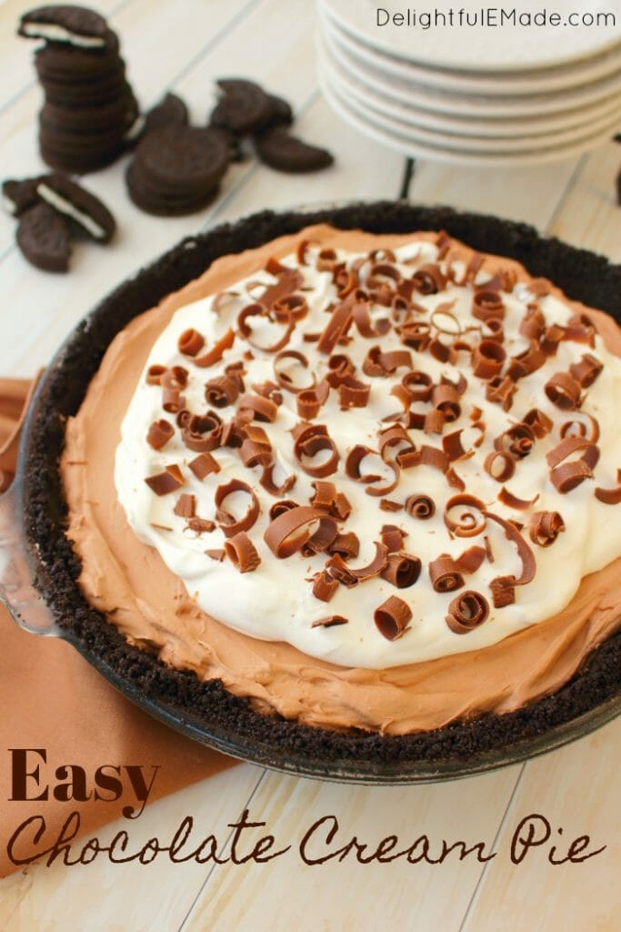 The perfect no bake chocolate cream pie recipe!  With an OREO cookie crust, delicious layer of hot fudge, and a creamy chocolate mousse filling, this Easy Chocolate Cream Pie is heavenly!