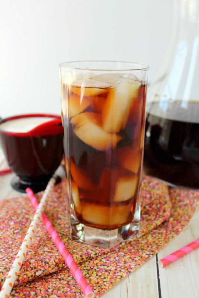 Making Cold Brew Coffee at home just got a whole lot easier! With Dunkin' Donuts Cold Brew you can now make your favorite cold brew coffee right at home with just a few super simple steps. The perfect way to enjoy your favorite iced coffee without leaving home!