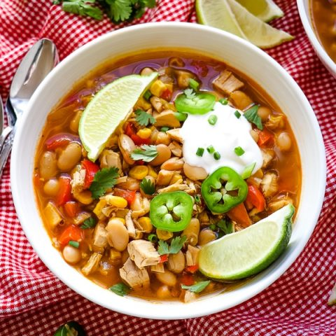 Looking for something simple, healthy and delicious for dinner tonight? This Healthy White Chicken Chili is the answer! Made with ingredients you likely already have in your pantry and fridge, this Easy White Chicken Chili comes together in under 30 minutes.