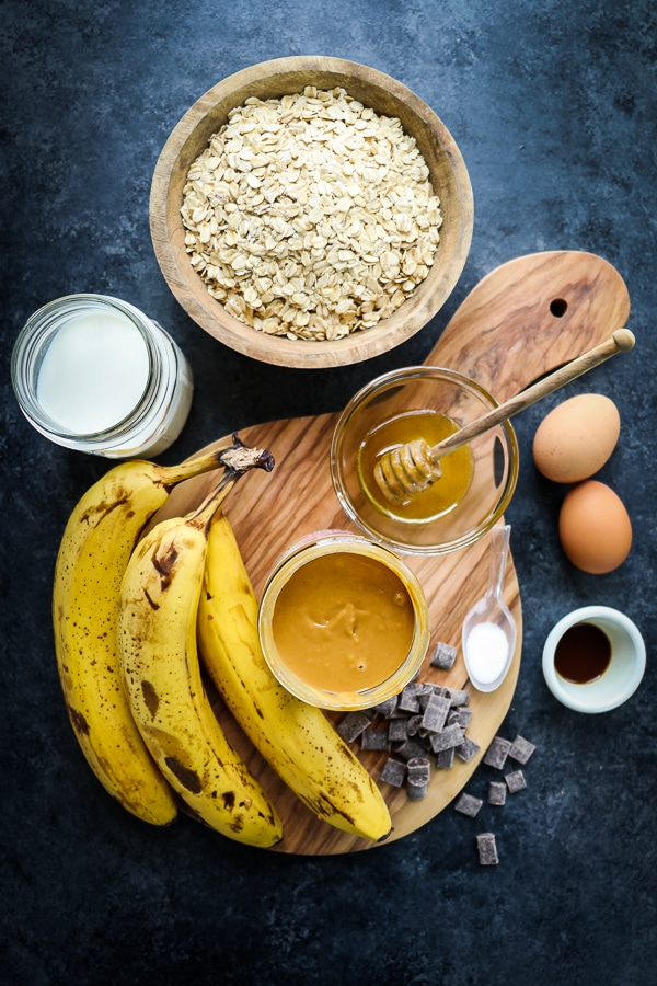 Want a healthy breakfast option that actually tastes good? This Peanut Butter Banana Baked Oatmeal is fantastic! Made with oats, bananas, eggs and good nut butter, this healthy baked oatmeal recipe is a fantastic option for busy mornings!