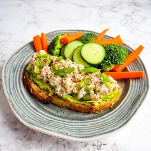 No mayo tuna salad, Greek yogurt tuna salad on toast with veggies.