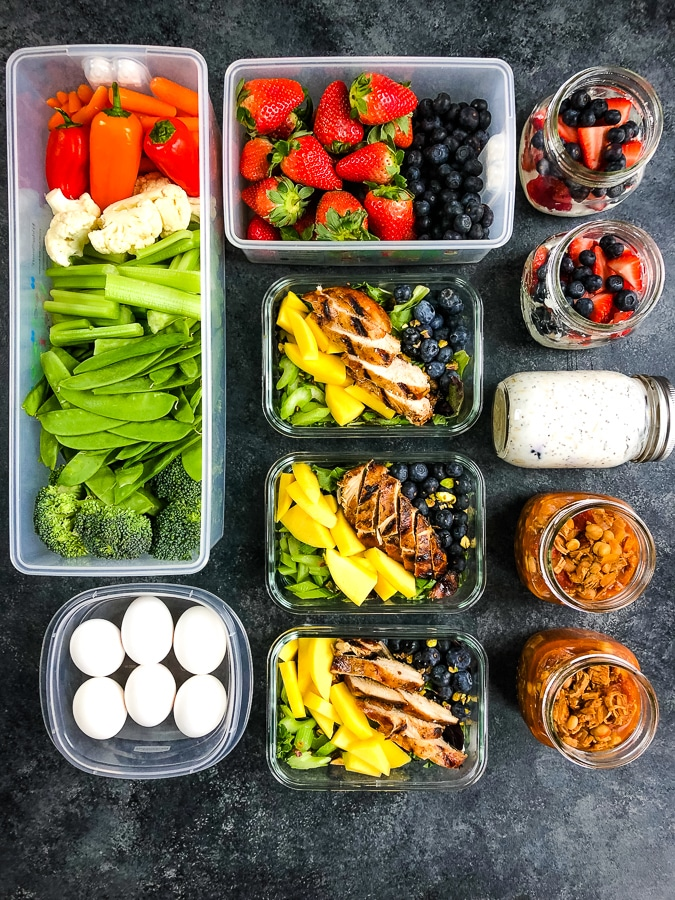 Flay lay of meal prepped food, healthy meal prep ideas for the week